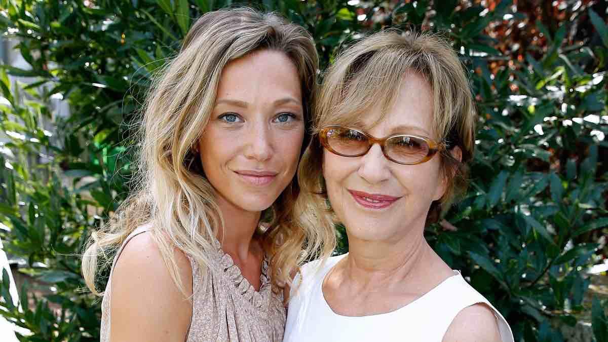 Laura Smet et Nathalie Baye : Une grossesse qui tourne mal ?