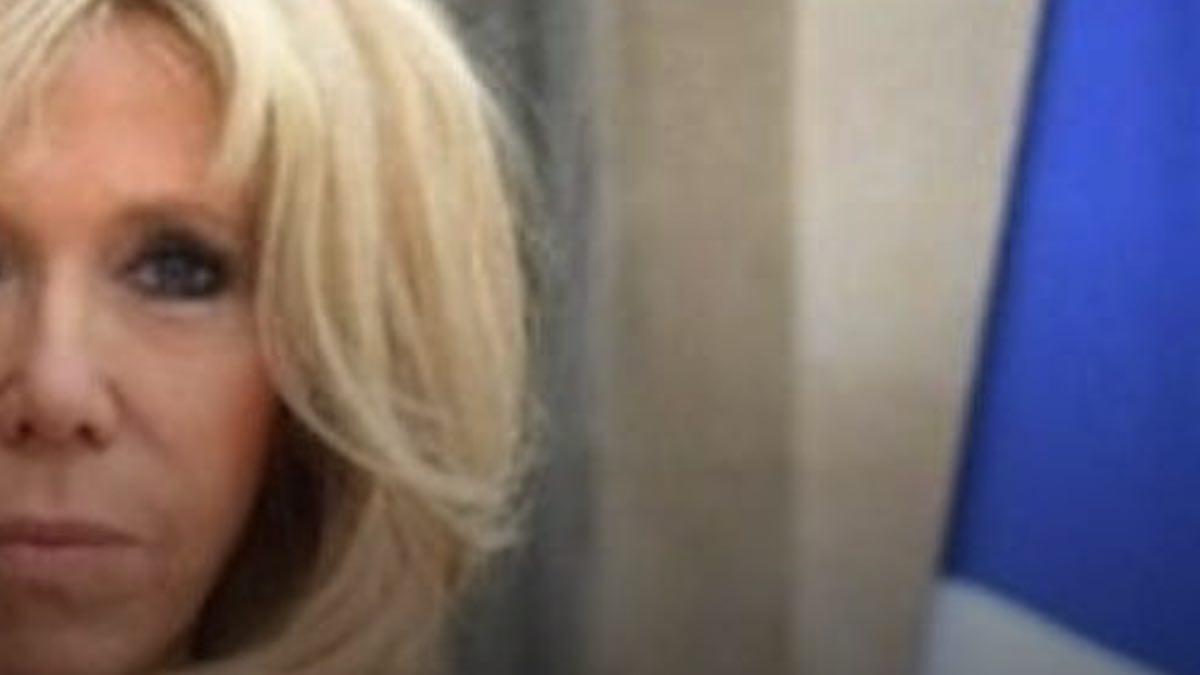 Brigitte Macron s'enfuit de l'Élysée