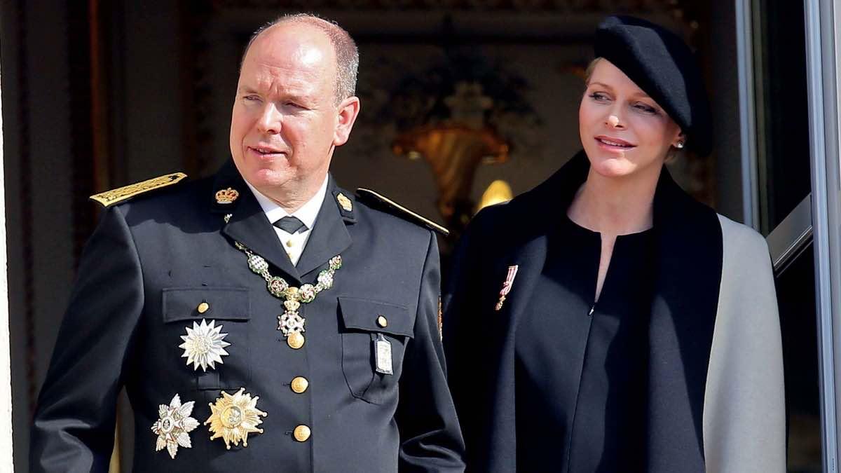 Prise de poids douteuse, Caroline De Monaco enceinte?
