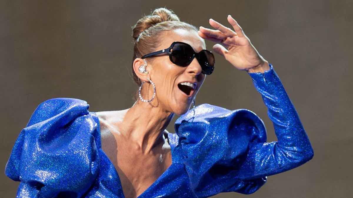 Céline Dion fait le show, Un défilé extravagant