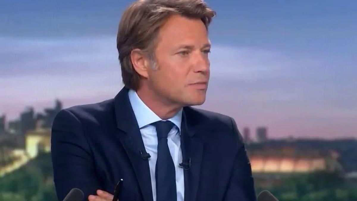Le JT de 20 heures : Éric Dupond-Moretti honteusement taclé par Laurent Delahousse… Pourquoi ?