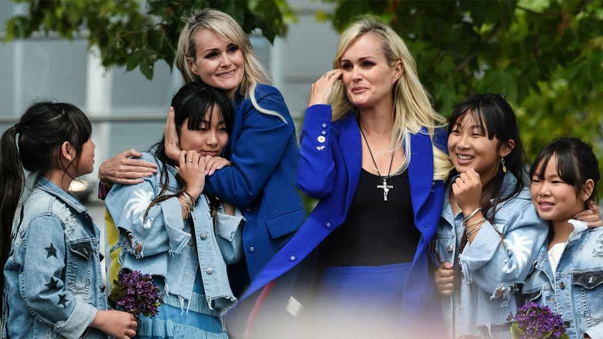 Laeticia Hallyday maman radieuse : son message d'amour attendrissant pour les 16 ans de sa fille Jade